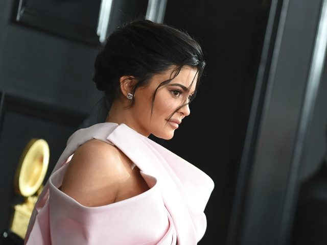 TV personality Kylie Jenner arrives for the 61st Annual Grammy Awards on February 10, 2019, in Los Angeles. (Photo by VALERIE MACON / AFP) (Photo credit should read VALERIE MACON/AFP via Getty Images)