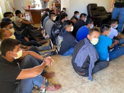 Nogales Station Border Patrol agents apprehend 21 migrants found in a human smuggling stash house near the Arizona border. (Photo: U.S. Border Patrol/Tucson Sector)