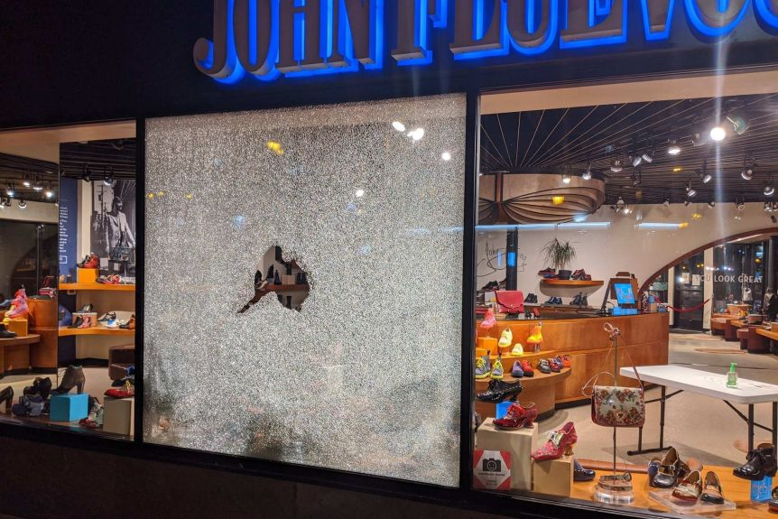 Photographs posted to social media showed damaged shop windows near where the shooting happened.(Twitter: @Stribjany)