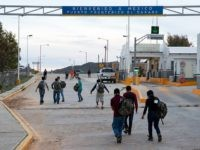 Border Patrol agents expel apprehended migrants to Mexico under Title 42 coronavirus protection protocols. (CBP File Photo: Jerry Glaser)
