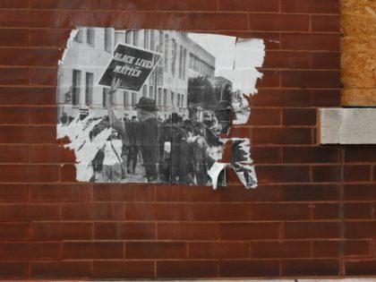 Black Lives Matter St. Louis (Paul Sableman / Flickr / CC / Cropped)