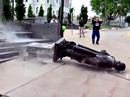 Christopher Columbus Statue Toppled in Minneapolis