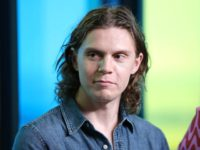 'X-Men' Actor Evan Peters Apologizes After Retweeting Message Attacking 'Piece of S**t Looters'