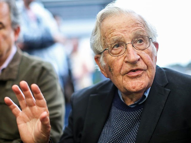 US linguist and political activist Noam Chomsky (R), talks during a press conference after visiting former President Luiz Inacio Lula da Silva, arrested for corruption in the Federal Police Superintendence in Curitiba, Brazil on September 20, 2018. (Photo by Heuler Andrey / AFP) (Photo credit should read HEULER ANDREY/AFP via …