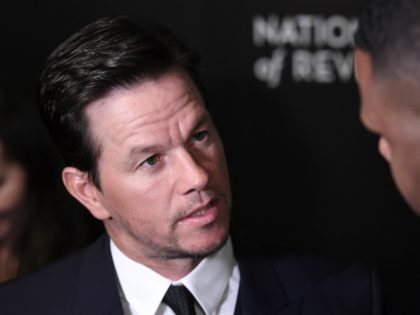 Mark Wahlberg attends the 2016 National Board of Review Gala at Cipriani 42nd Street on January 4, 2017 in New York City. / AFP / ANGELA WEISS (Photo credit should read ANGELA WEISS/AFP via Getty Images)