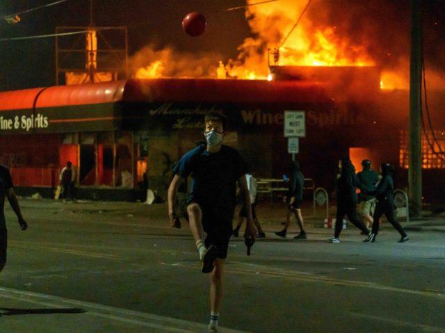 Minneapolis riots (Kerem Yucel / AFP / Getty)