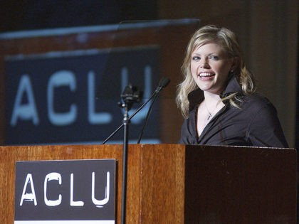 BEVERLY HILLS - DECEMBER 15: Singer Natalie Maines of the Dixie Chicks presents the Bill of Rights Award at the ACLU of Southern California's Annual Bill of Rights Awards Dinner at The Regent Beverly Wilshire Hotel on December 15, 2003 in Beverly Hills, California. (Photo by Amanda Edwards/Getty Images)