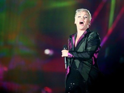 DUNEDIN, NEW ZEALAND - SEPTEMBER 01: Singer Pink performs live on stage at Forsyth Barr Stadium on September 1, 2018 in Dunedin, New Zealand. (Photo by Dianne Manson/Getty Images)