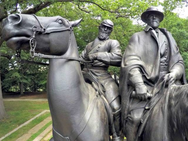 Stonewall Jackson, Robert E. Lee Statue
