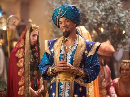Will Smith and Nasim Pedrad in Aladdin (2019) Titles: Aladdin People: Will Smith, Nasim Pedrad © Disney Enterprises