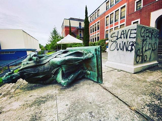 Thomas Jefferson Statue Torn Down at Portland High School