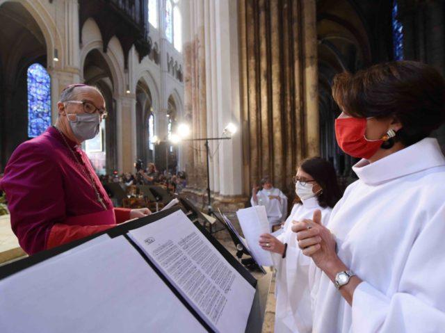 Choir with masks (Jean-Francois Monier / AFP / Getty)