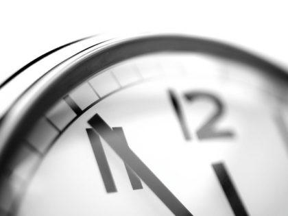 Clock (Christian Schnettelker / Flickr / CC / Cropped)