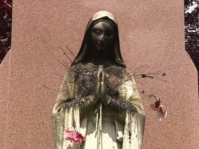Virgin Mary statue in Dorchester