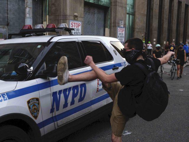 Portland solidarity New York (Yuki Iwamura / Associated Press)