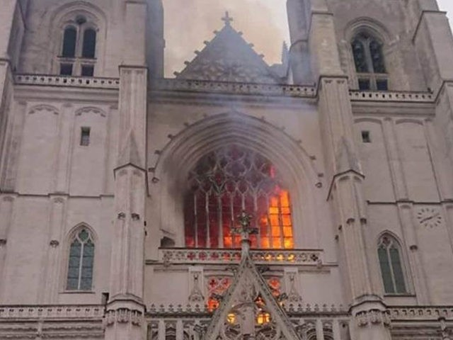 nantes-cathedral-fire-diocese-of-nantes-1-facebook