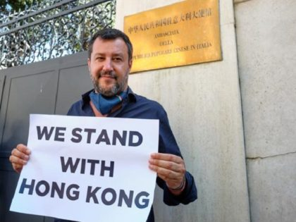 Matteo Salvini protests in front of the Chinese embassy in support of Hong Kong