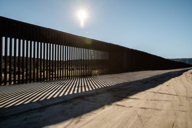 Supreme Court allows border wall construction during challenges