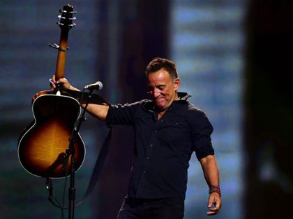 TORONTO, ON - SEPTEMBER 30: American singer-songwriter Bruce Springsteen performs during the closing ceremony of the Invictus Games 2017 at Air Canada Centre on September 30, 2017 in Toronto, Canada. (Photo by Harry How/Getty Images for the Invictus Games Foundation )