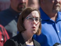 Oregon Governor Criticized for Telling Citizens to Report Neighbors Violating Thanksgiving Rules