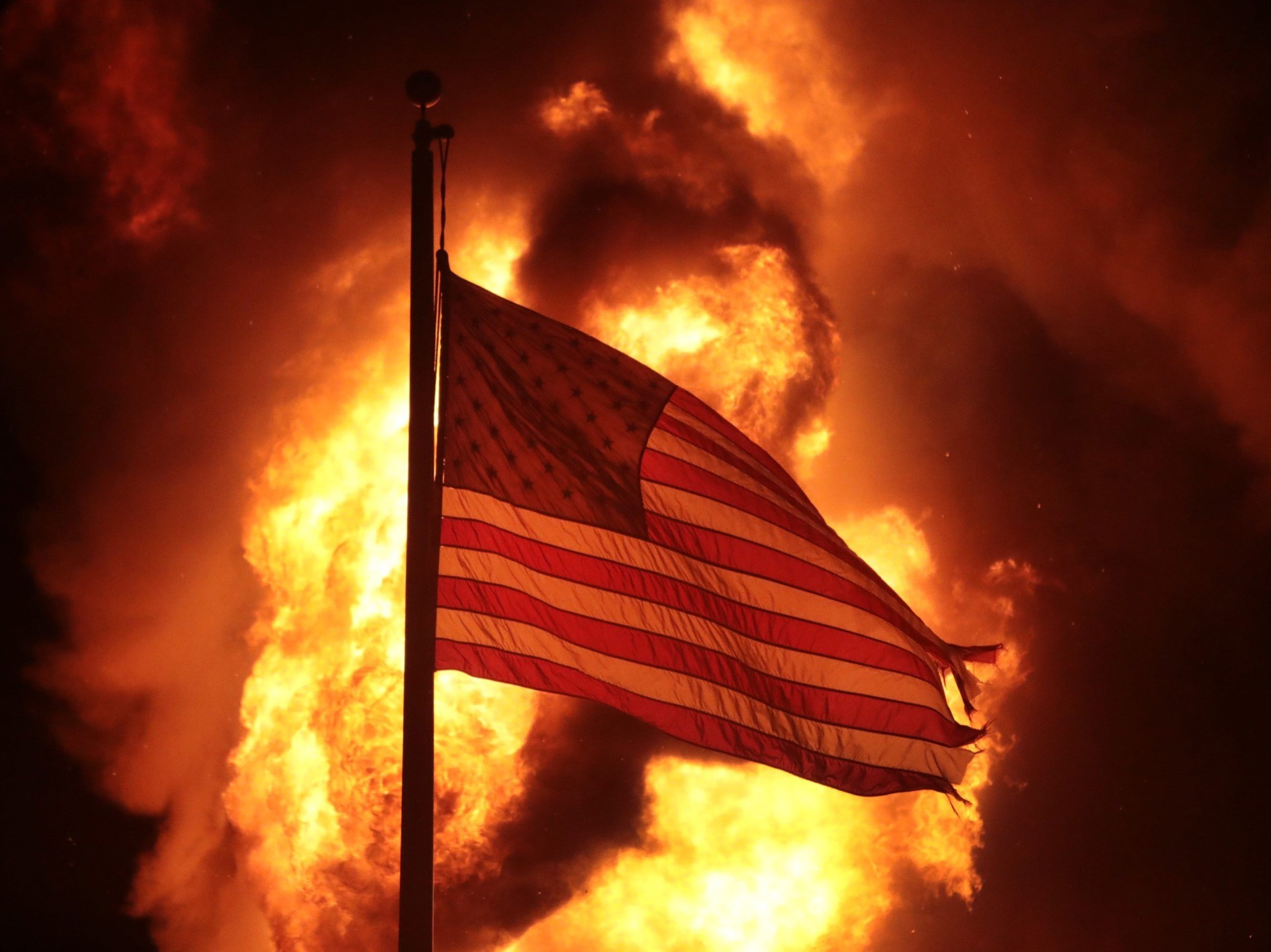 Kenosha riots flag (Scott Olson / Getty)