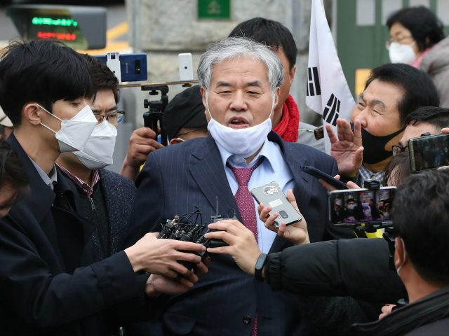 In this April 20, 2020, photo, Sarang Jeil Church pastor Jun Kwang-hun speaks outside a detention center in Uiwang, South Korea. Jun who has been a bitter critic of the country's president has tested positive for the coronavirus health authorities said Monday, Aug. 17, two days after he participated in …