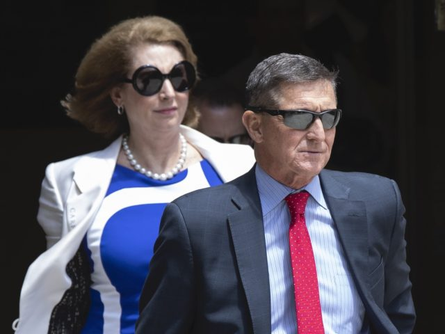 Sidney Powell and Michael Flynn (Manuel Balce Ceneta / Associated Press)