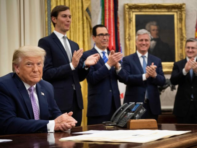 Trump Middle East peace (Brendan Smialowski / AFP / Getty)