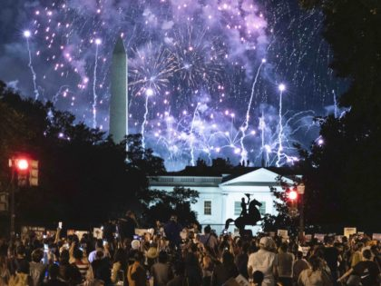 White House RNC fireworks (Jose Luis Magana / AFP / Getty)