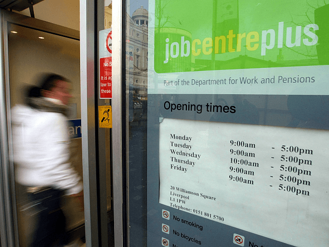 UK Employment Tumbles by 220,000, Biggest Quarterly Fall Since 2009