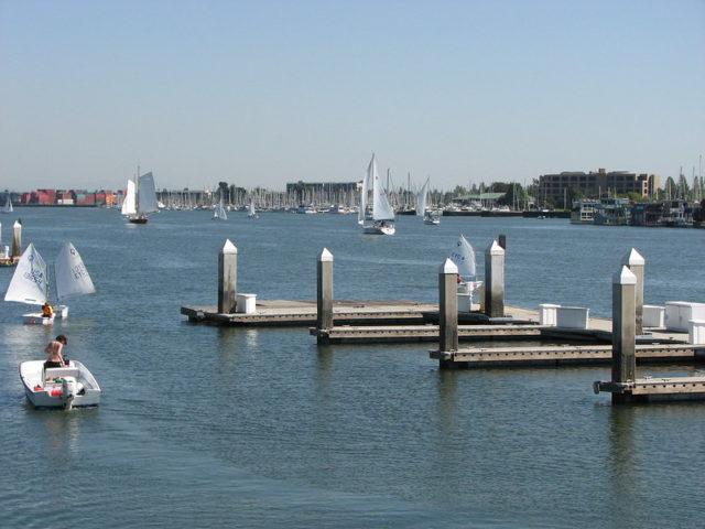 Oakland Estuary (Brian Cantoni / Flickr / CC)