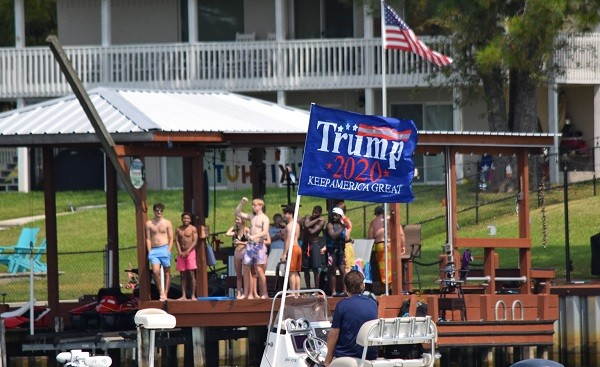 Onlookers waived and showed support as the Trump Boat Parade passed. (Photo: Lana Shadwick/Breitbart Texas)