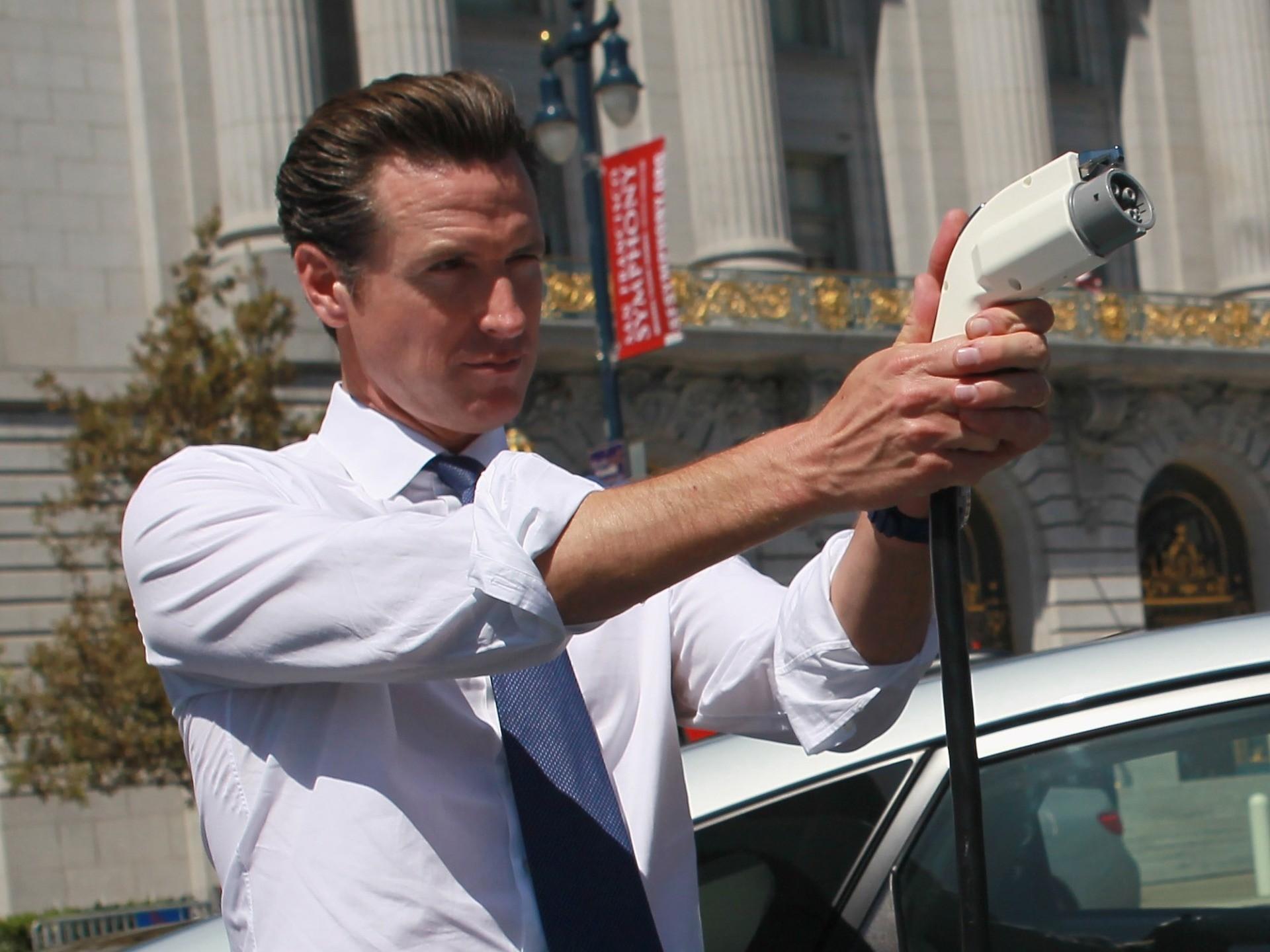 California S Gavin Newsom Bans Gas Powered Vehicles Effective 2035