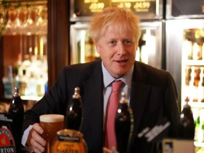 LONON, ENGLAND - JULY 10: Boris Johnson, a leadership candidate for Britain's Conservative Party visits Wetherspoons Metropolitan Bar to meet with with JD Wetherspoon chairman, Tim Martin on July 10, 2019 in London, England. (Photo by Henry Nicholls WPA Pool/Getty Images)
