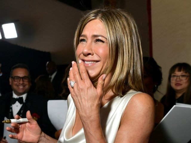LOS ANGELES, CALIFORNIA - JANUARY 19: Jennifer Aniston attends the 26th Annual Screen ActorsGuild Awards at The Shrine Auditorium on January 19, 2020 in Los Angeles, California. 721313 (Photo by Emma McIntyre/Getty Images for Turner)