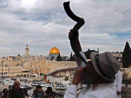 Rosh Hashanah (Thomas Coex / AFP / Getty)