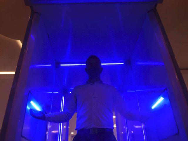 UV light (Raul Arboleda / AFP / Getty)