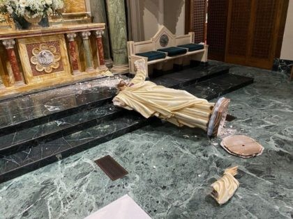 Vandal Beheads Statue of Jesus in El Paso Cathedral for 'Wrong Skin Color'