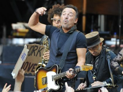 Photo by: KGC-138/STAR MAX/IPx 2016 6/5/16 Bruce Springsteen & The E Street Band performing at Wembley Stadium. (London, England, UK)