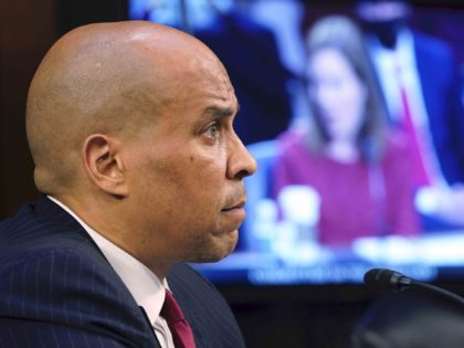 Cory Booker and Amy Coney Barrett (Susan Walsh - Pool / Getty)