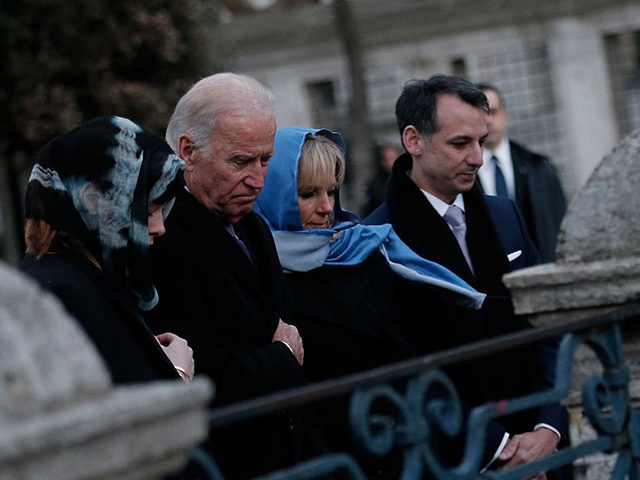 US Vice President Joe Biden (2nd L) flanked by his wife Jill (2nd R), his granddaughter Naomi Biden (L), and son-in-law Howard Krein (R) pays tribute on January 22, 2016 in Istanbul, to the victims of the January 12 bomb attack, where ten German tourists were killed, in the historic …