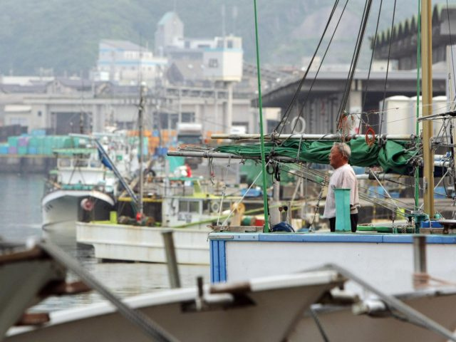 China Forces Japanese Fishing Boats Out of Japan's Waters