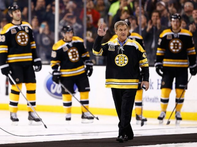 NHL Legend Bobby Orr Endorses Trump: 'That's the Kind of Teammate I Want'