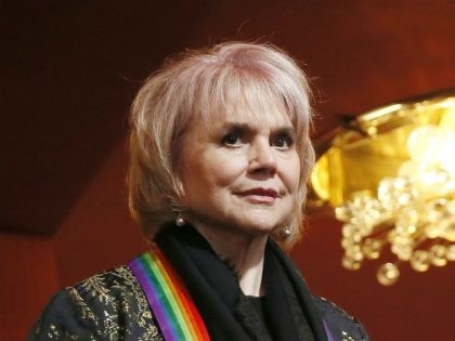 WASHINGTON, DC - DECEMBER 08: Honoree Linda Ronstadt attends the 42nd Annual Kennedy Center Honors at Kennedy Center Hall of States on December 08, 2019 in Washington, DC. (Photo by Paul Morigi/Getty Images)