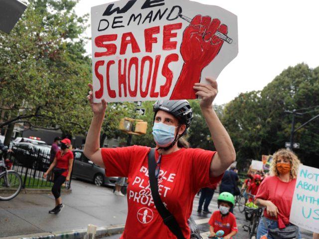 Teachers union coronavirus (Spencer Platt / Getty)