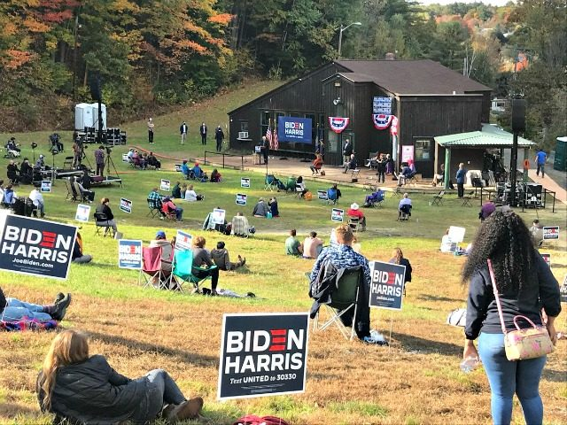 Tens Turn Out to See Sanders Campaign for Biden