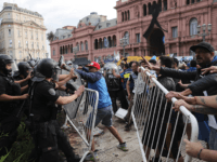 Mob Storms Argentina's Presidential Palace During Diego Maradona Funeral