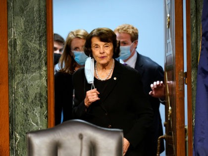 WASHINGTON, DC - NOVEMBER 10: Sen. Dianne Feinstein (D-CA) arrives for a Senate Judiciary Committee hearing on November 10, 2020 on Capitol Hill in Washington, DC. The hearing is related to Crossfire Hurricane, the FBI's Russia investigation. (Photo by Susan Walsh - Pool/Getty Images)