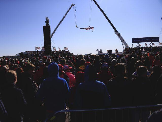 Fayetteville North Carolina crowd (Brian Blanco / Getty)
