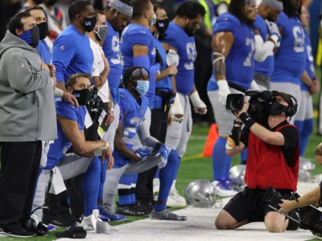 Matt Stafford and Deshaun Watson Kneel During Anthem Before Thanksgiving Game